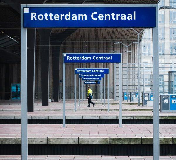 Taxi-naar-Rotterdam-Centraal